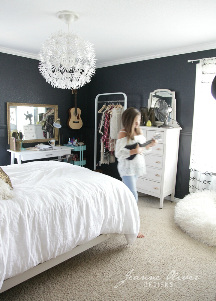 Amazing teen girl39s bedroom makeover decoholic for Amazing of black and pink bedroom ideas