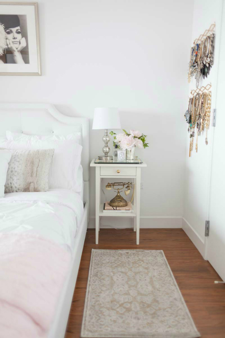 Tiny San Francisco Apartment that is Every Girl's Dream Home 15