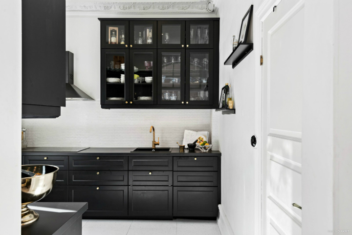 black and white small apartment decoration 13