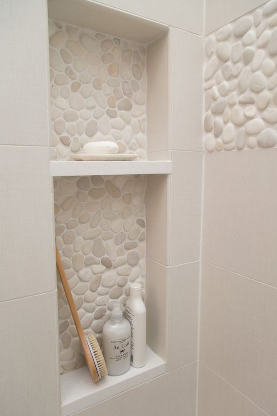 bathroom alcove with textured tiles