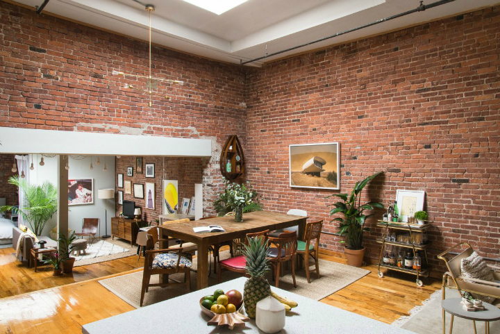 Art Lover's Chic Brooklyn Loft 4