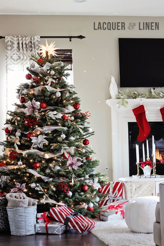 How Interior Design Bloggers Decorated Their Homes for Christmas 11