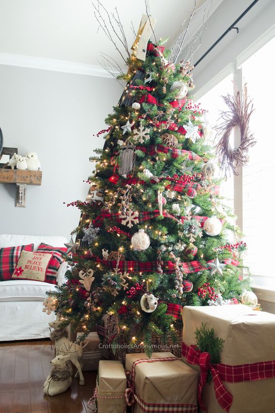 How Interior Design Bloggers Decorated Their Homes for Christmas 3