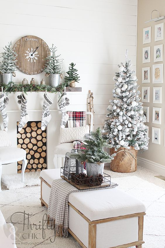 How Interior Design Bloggers Decorated Their Homes for Christmas 4