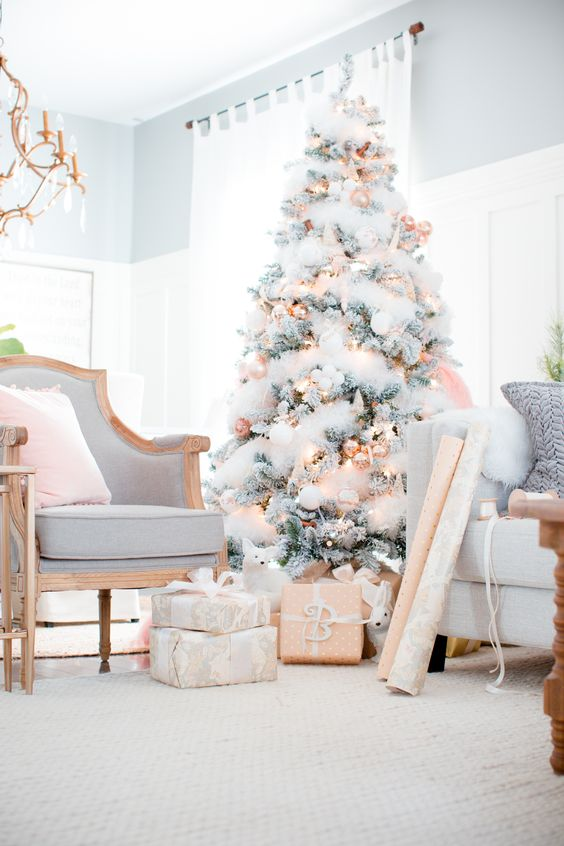 How Interior Design Bloggers Decorated Their Homes for Christmas 7