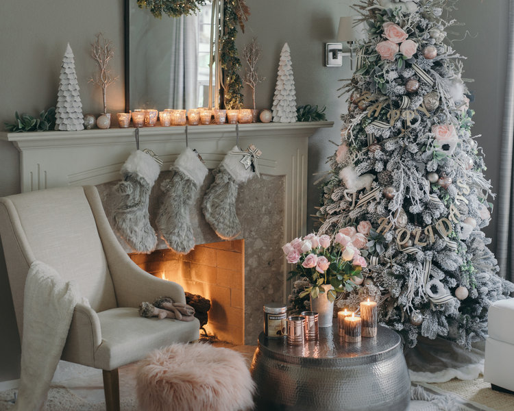 How Interior Design Bloggers Decorated Their Homes for Christmas 8