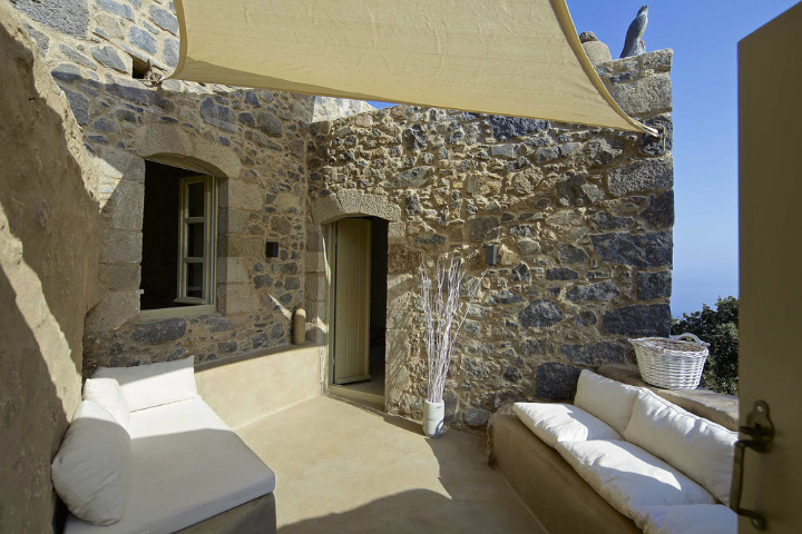 Stunning Atmospheric Villa On Nisyros Island 13