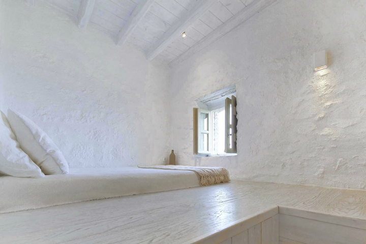 Stunning Atmospheric Villa On Nisyros Island 17