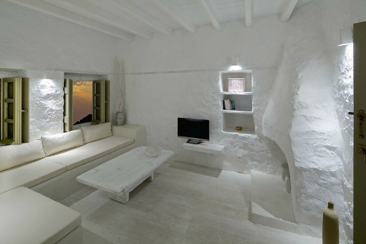 Stunning Atmospheric Villa On Nisyros Island 20
