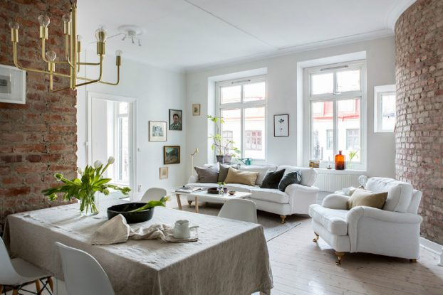 Exposed Brick and Intense White Create a Stunning Decor