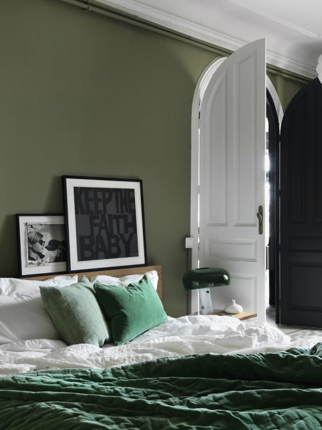 green bedroom design idea 15 - Green Bedroom