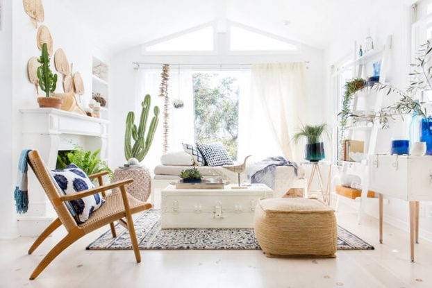 How to Create the Perfect Blue and White Sunroom 12