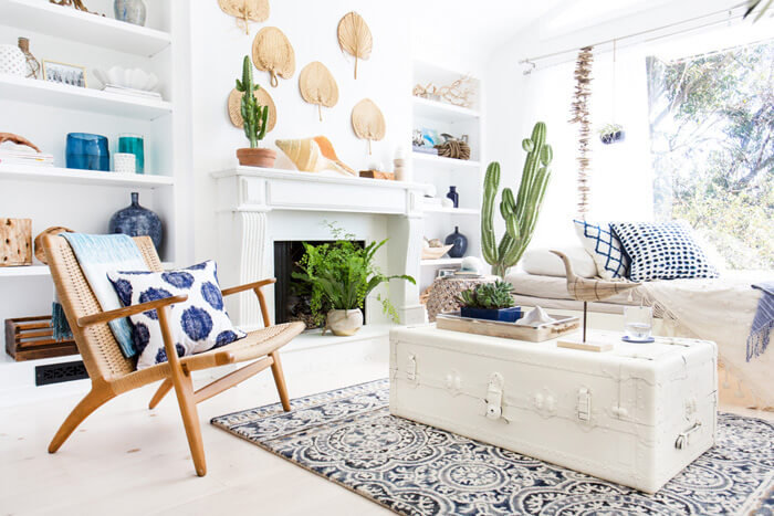 How to Create the Perfect Blue and White Sunroom