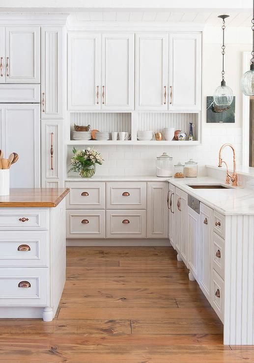 What Kind Of Knobs Look Best On White Kitchen Cabinets