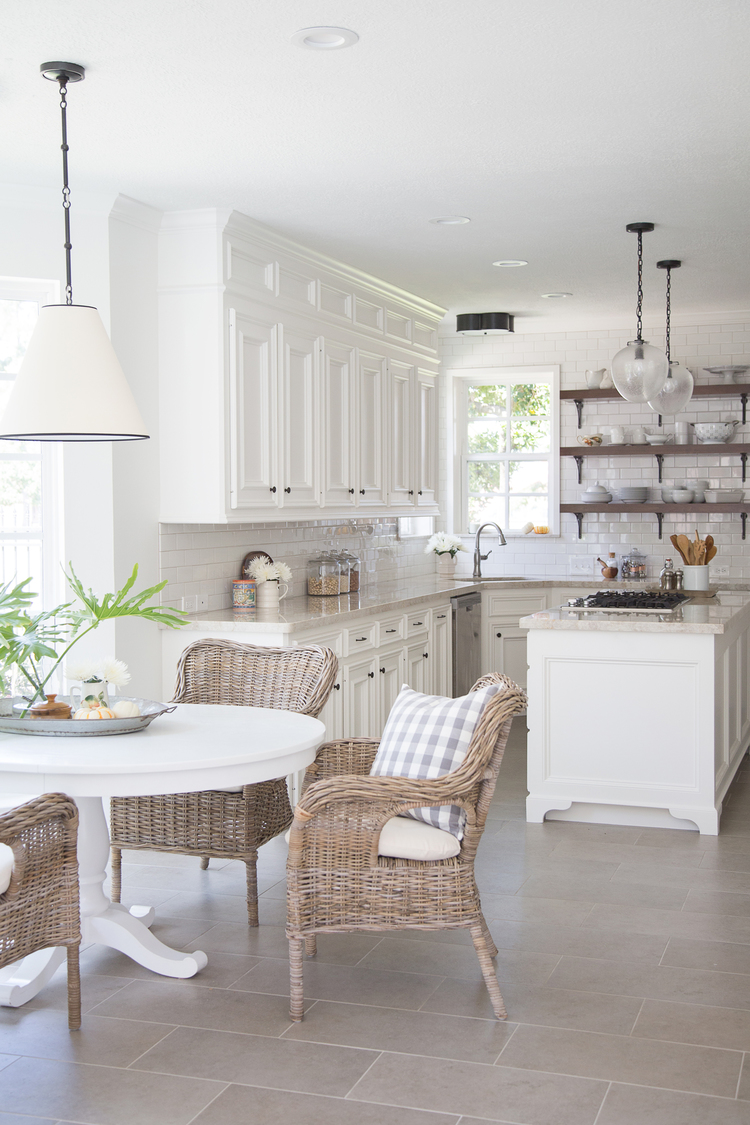 white kitchen design 29
