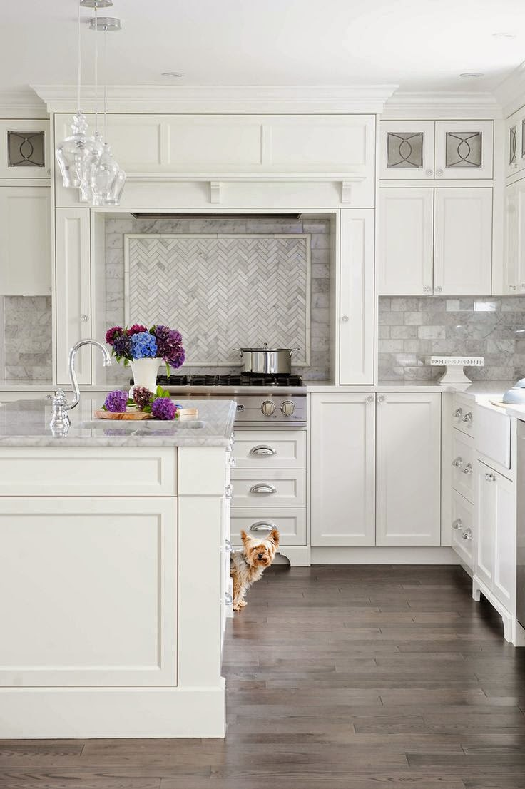 53 best white kitchen designs decoholic for Grey kitchen floor tiles ideas