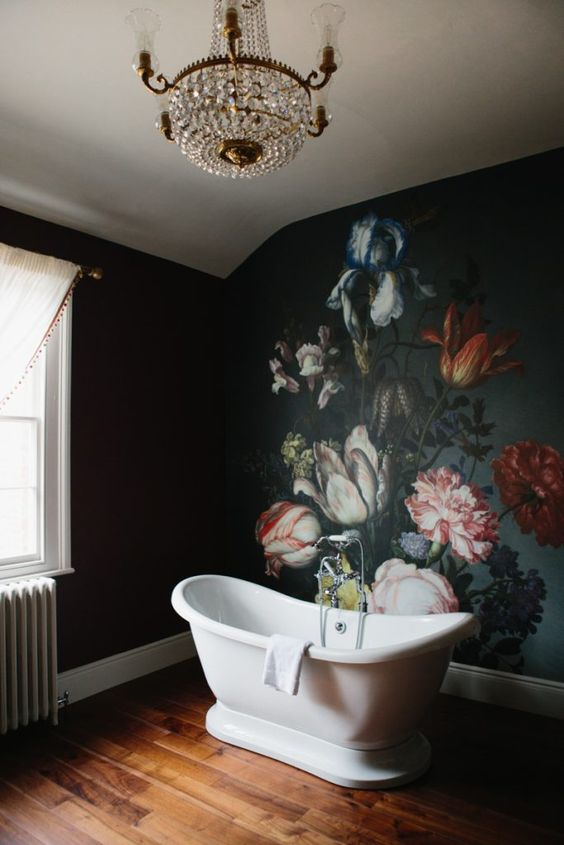 bathroom floral wallpaper idea