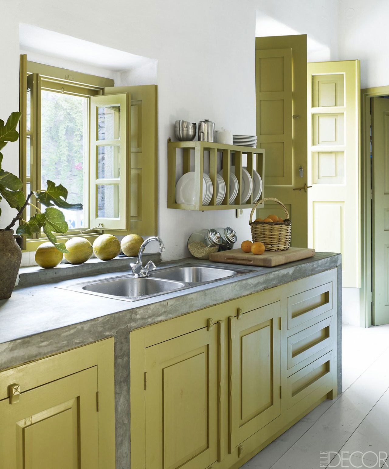 green kitchen design idea 16