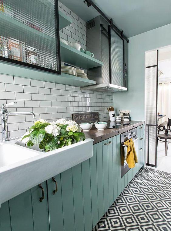 Green Kitchen Design Idea 30