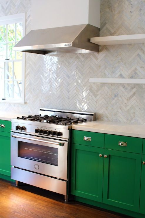 green kitchen design idea 32