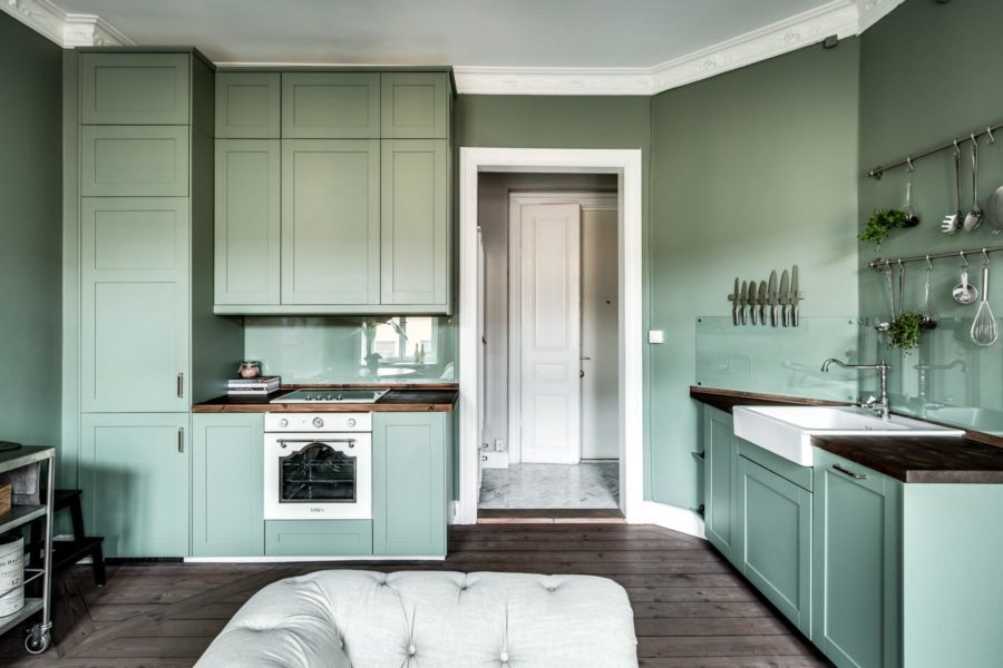 green kitchen design idea 35