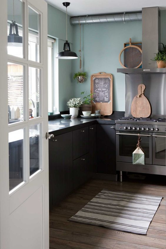 green kitchen design idea 47