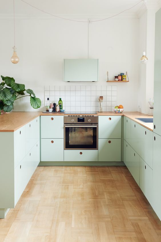 green kitchen design idea 53