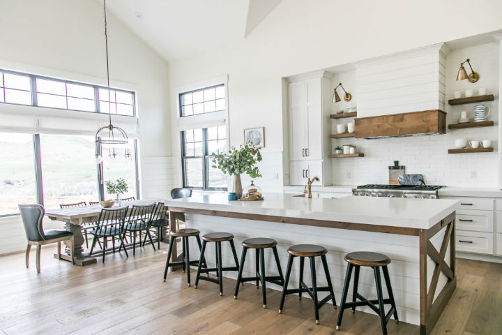 Modern Home Wrapped in Farmhouse Beauty 12