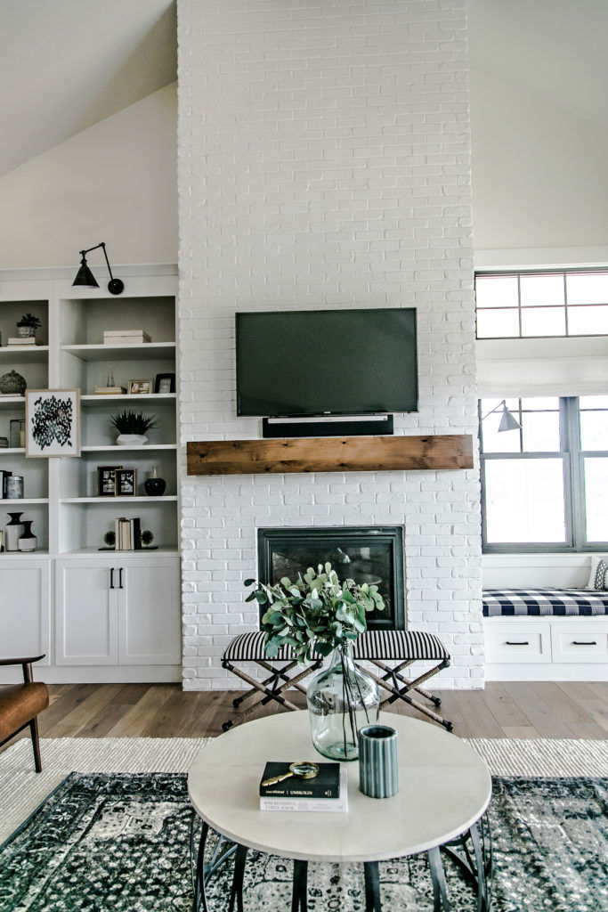 Modern Home Wrapped in Farmhouse Beauty 6