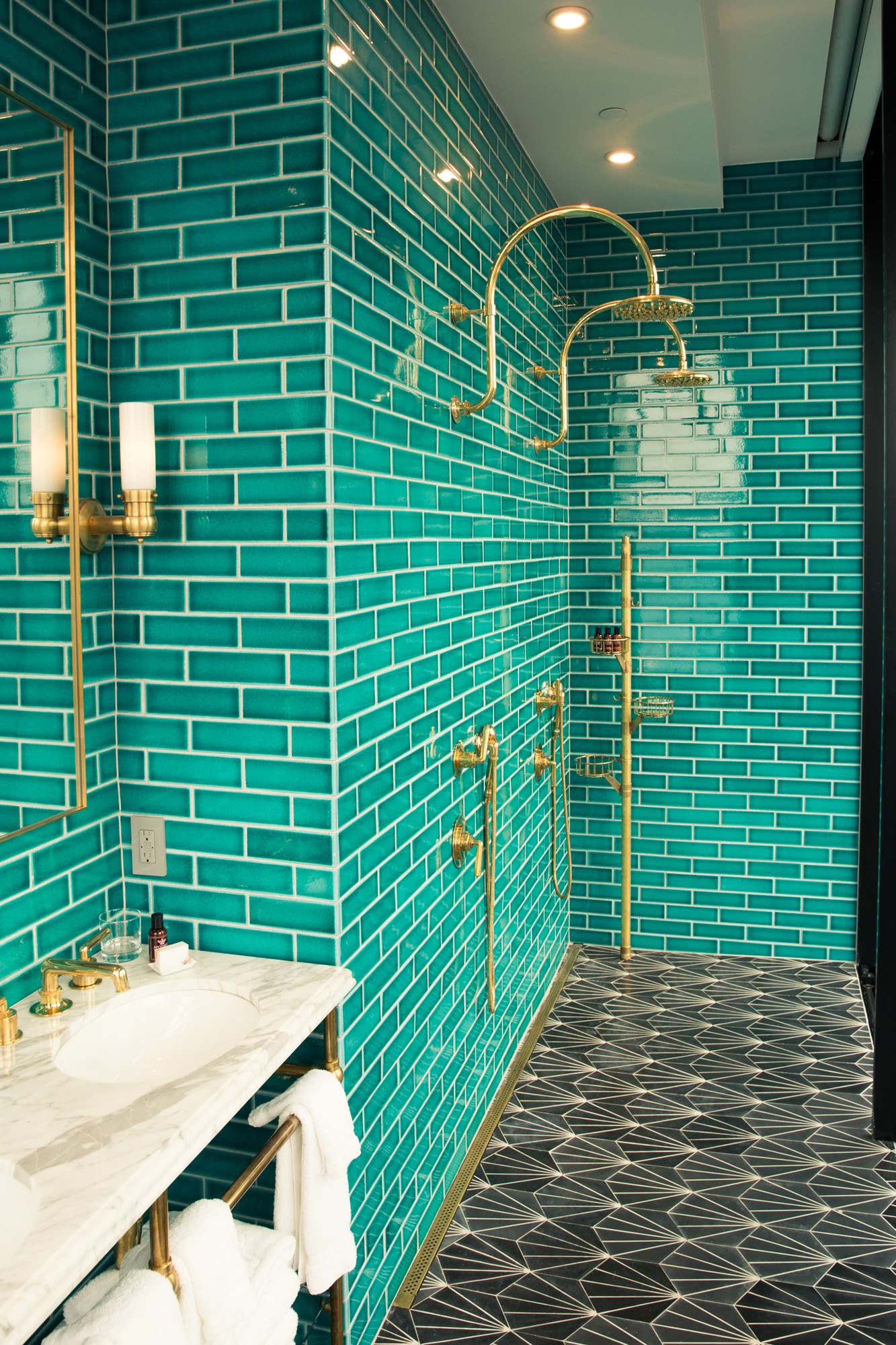 Steely with style decoholic - Turquoise bathroom floor tiles ...