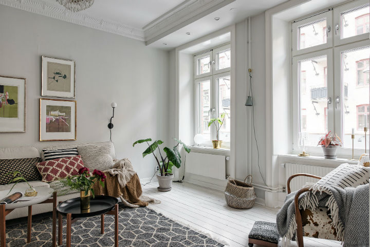 white Scandinavian apartment interior design 5