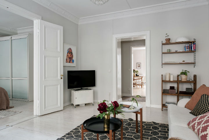 white Scandinavian apartment interior design 6