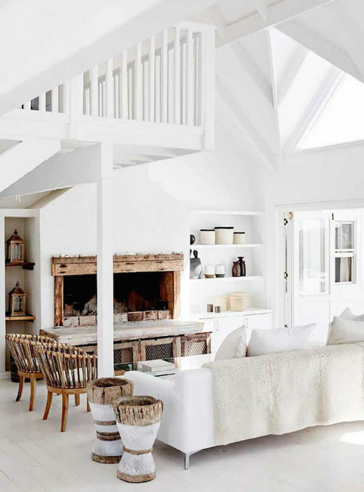 Calm seaside life ensconced in a breathtakingly beautiful for Beach home interiors