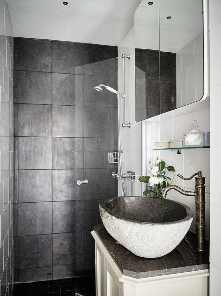 Calm Traditional Yet Elegant home Design 18