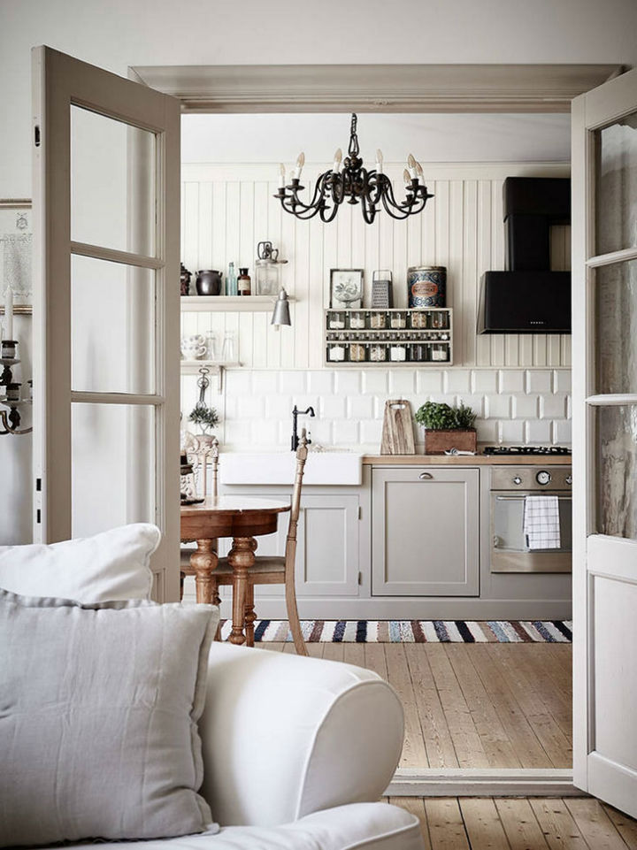 Calm Traditional Yet Elegant home Design 3