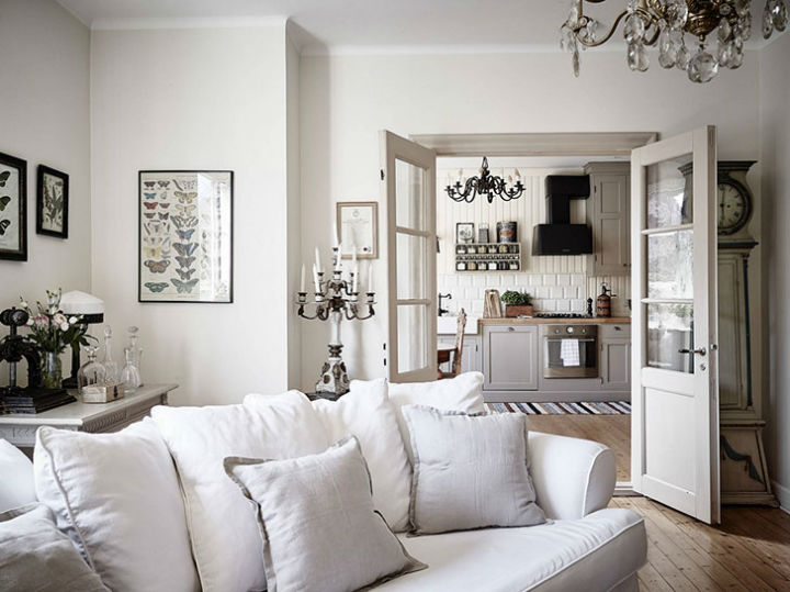 Calm Traditional Yet Elegant home Design 8