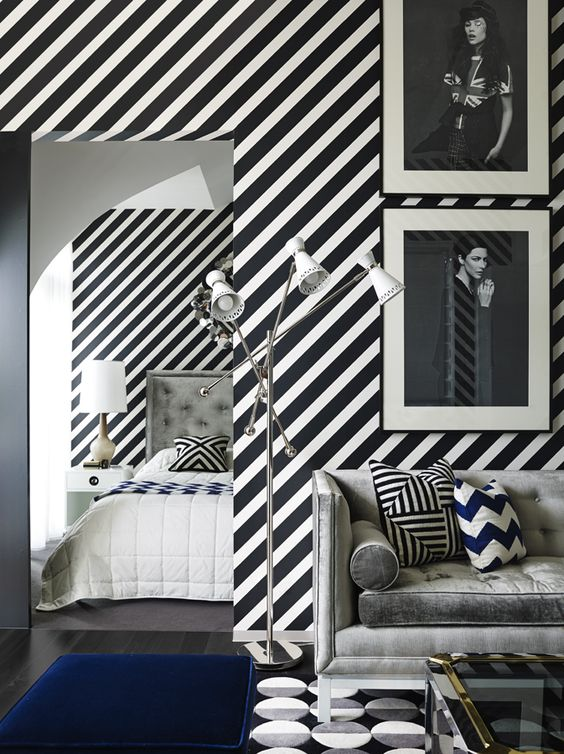 Black and White One-Bedroom Apartment 2