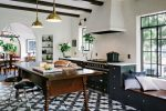 Amazing Alhambra Black and White Kitchen