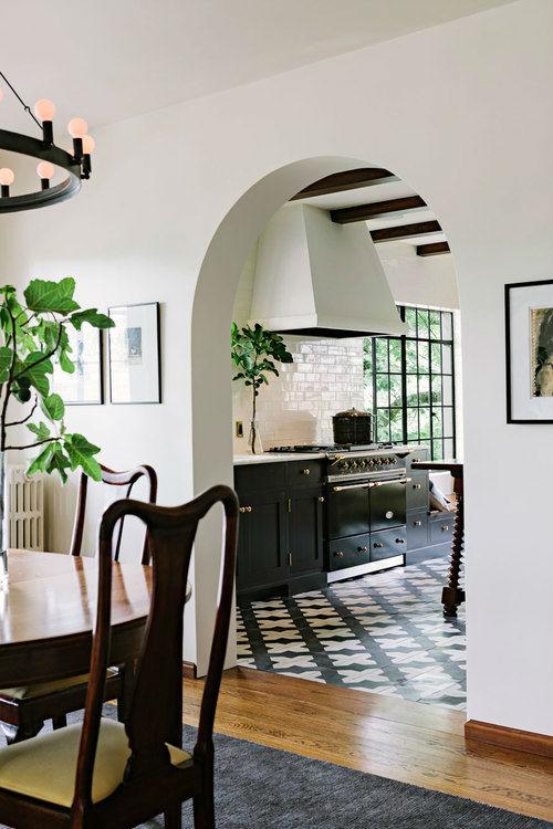 Amazing Alhambra Black and White Kitchen 3