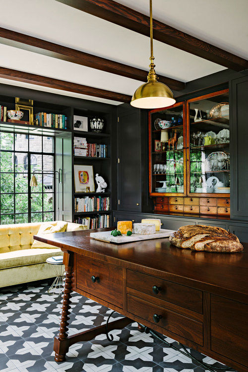 Amazing Alhambra Black and White Kitchen 6