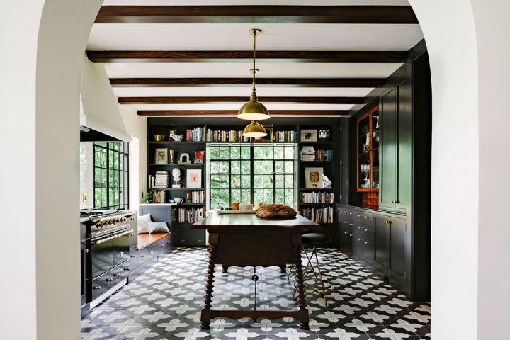 Amazing Alhambra Black and White Kitchen 7
