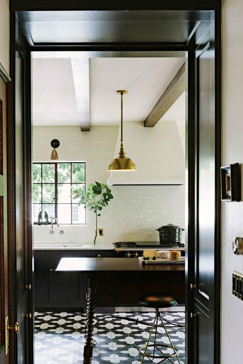 Amazing Alhambra Black and White Kitchen 9