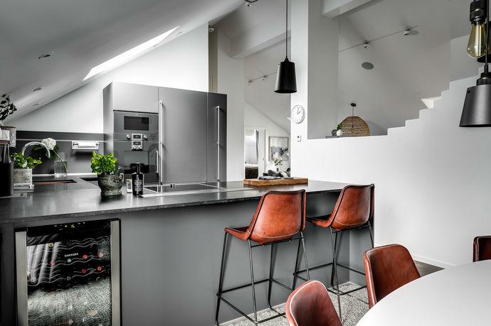 Gray interior 11