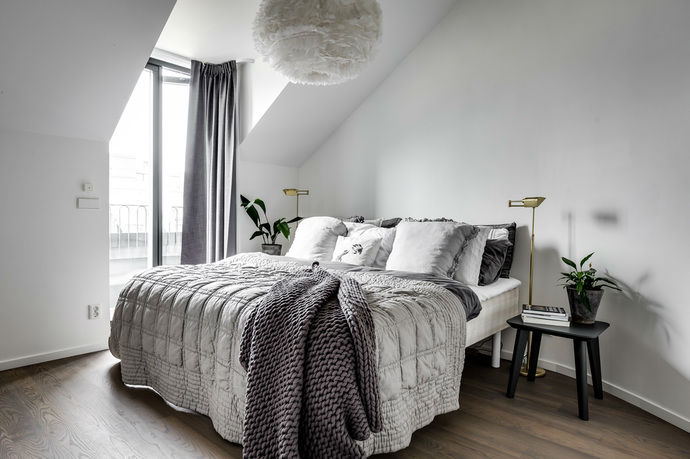Gray interior 17