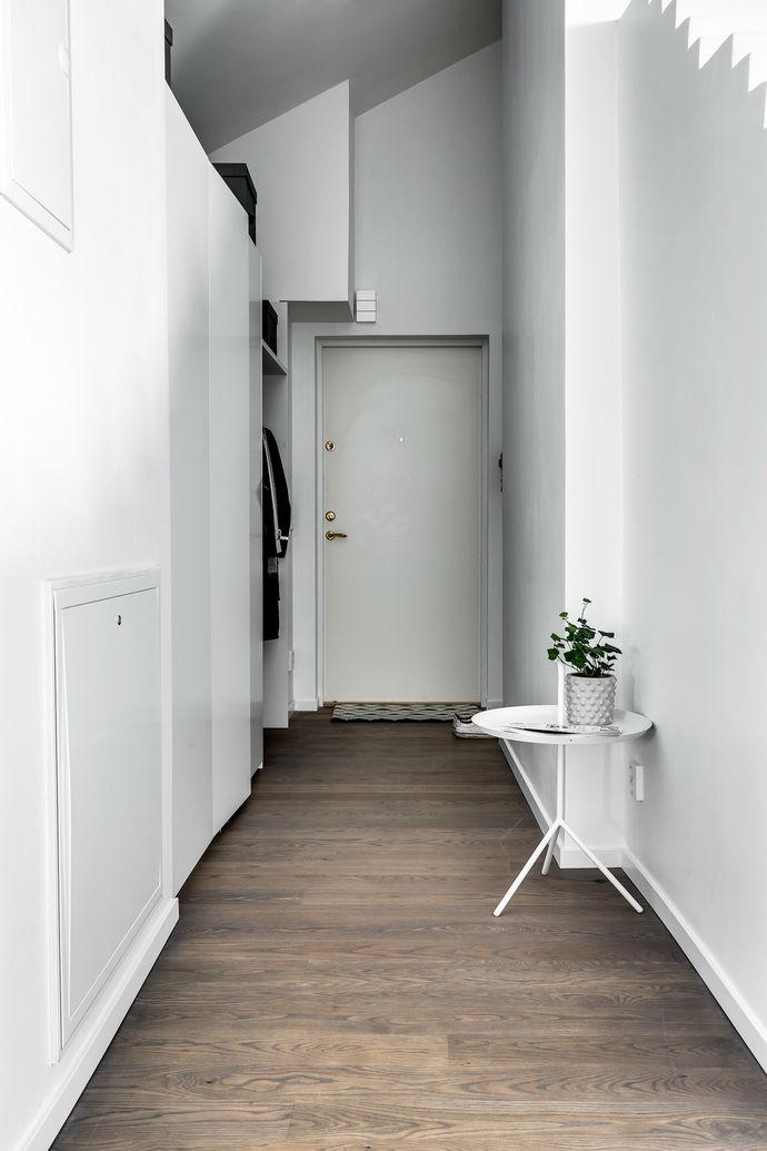 Gray interior 22