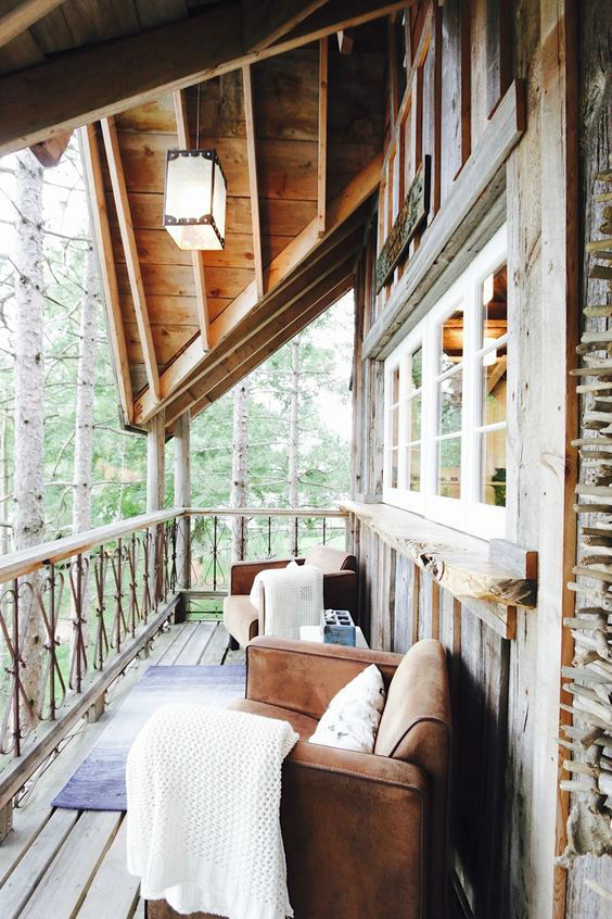 Treehouse Retreat and Cabin Hideaway 2