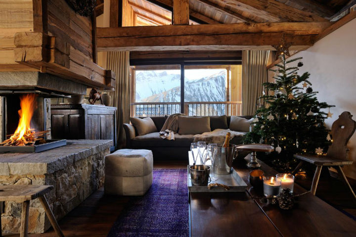 Old Savoie Stable Turned Into a Luxurious Mountain Retreat 4