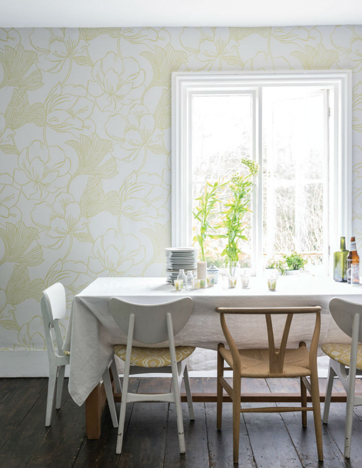 floral wallpaper by Farrow and Ball 10