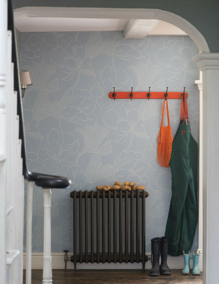 floral wallpaper by Farrow and Ball 12