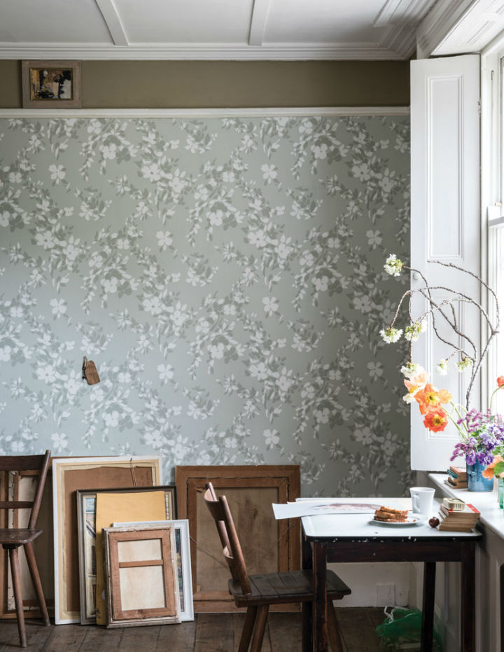 floral wallpaper by Farrow and Ball 6